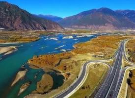 藏區拉林公路自駕,一路風景如畫