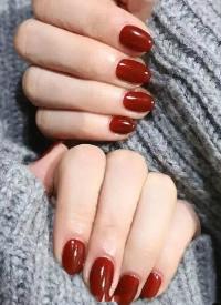 冬季換上一款純色美甲其實也很美 ????