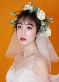 一組小清新鮮花發飾新娘造型圖片