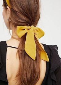 一條簡單的絲帶就能打造出超時尚發型