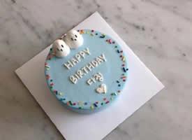 一組可愛的極簡風蛋糕圖片欣賞