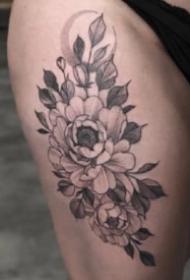 适合女生的优雅黑灰点线花朵纹身图片