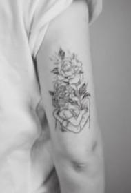 人物與花搭配的14款花頭人身創意紋身作品