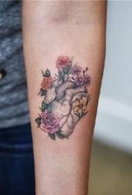一組可愛風格彩色女生小紋身圖案