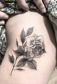 六款黑白點刺女生玫瑰花紋身圖案參考