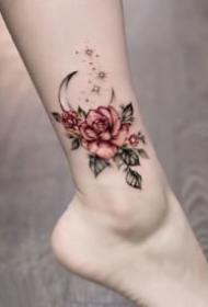 女生腳背和腳踝的漂亮小花卉紋身圖片