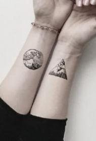 黑灰色的18款小清新山水风景纹身图片
