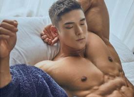 韩国健美肌肉男模图片