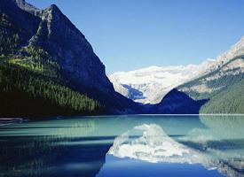 唯美清新湖泊風景圖片桌面壁紙