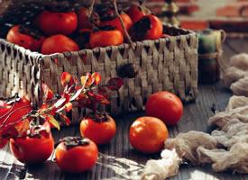 秋天到了 柿子也慢慢成熟了