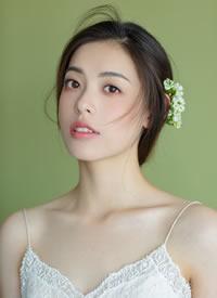 清透而時尚的少女感新娘發型