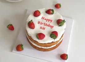 一些简约却超级有feel的韩风蛋糕设计