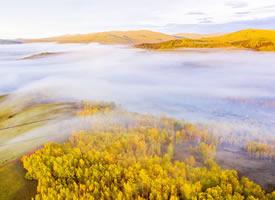秋日的蒙古草原高清桌面壁紙