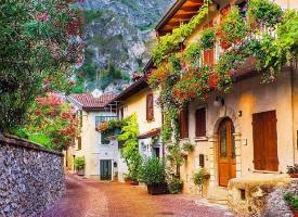 找一個這樣的小鎮生活 ?