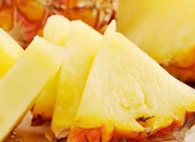 金燦燦的菠蘿水果圖片欣賞