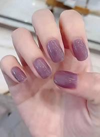 就像把葡萄 裝在你的指甲上