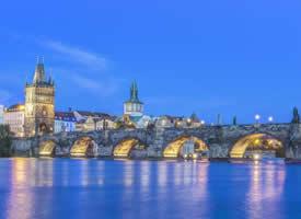 畅游在金色布拉格,享受童话般的美好