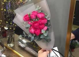 看腻了一大捧花 来欣赏小束花的精致