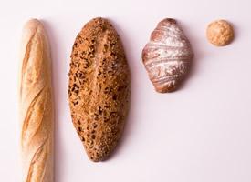 外脆內軟的麥香法棍面包圖片