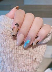 一組長長的指尖秋冬款氣質美甲