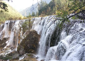 九寨沟珍珠滩瀑布图片