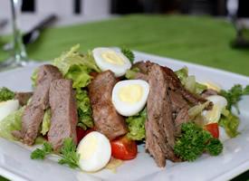一組形色美觀的西餐美食圖片