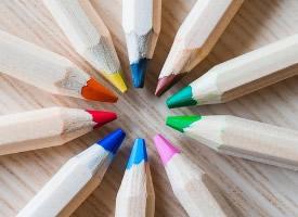 精美的彩色鉛筆創意壁紙圖片