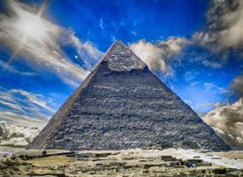 歷史悠久的古埃及金字塔圖片