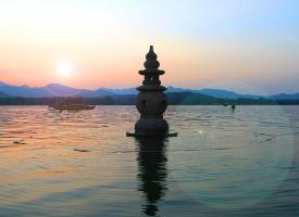 西湖三潭映月美景图片欣赏