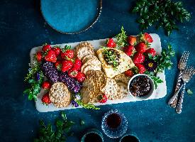 豐盛的水果早餐圖片