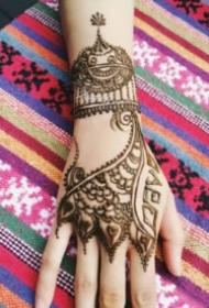 海娜紋身 印度的9款手背腿部海娜紋身圖片