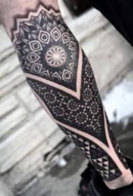點刺花臂紋身 9款點刺風格的花臂花腿紋身圖案