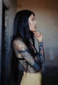 美女花臂图 9款女生的大花臂纹身图