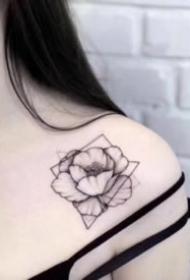 女生素花紋身 適合女生的9款小清新素花紋身圖案