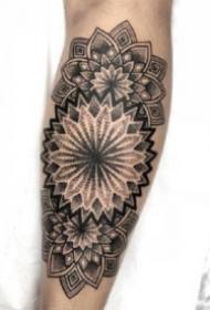 手肘紋身 小臂手肘處的9款黑色點刺梵花紋身圖片