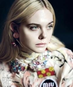 艾麗·范寧時尚雜志封面寫真圖片