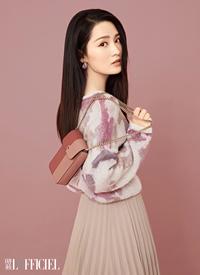 李沁甜美时尚杂志写真图片