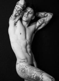 男性帥哥紋身人體藝術寫真圖片
