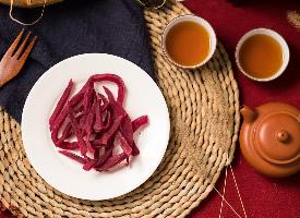 美味晒干了的紫薯干图片