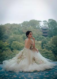 一組李沁紗裙仙氣寫真圖片欣賞