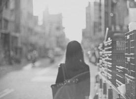思念不能自已,痛苦不能自理,結果不能自取,幸福不能自予