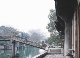 青石橋畔,烏鎮風情