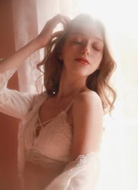 欧美尤物美女蕾丝诱惑性感写真