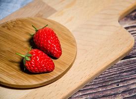 香甜可人熟透的草莓圖片欣賞
