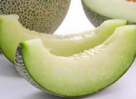 極其甘甜美味的水果哈密瓜圖片