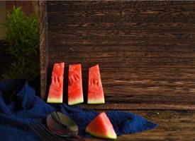 一組皮薄甘甜的大西瓜圖片