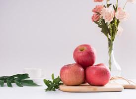 世界上最著名的晚熟蘋果紅富士圖片
