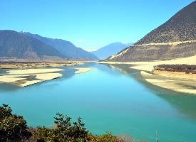 雅魯藏布江大峽谷自然風光
