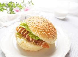 芝士鸡排汉堡早餐图片