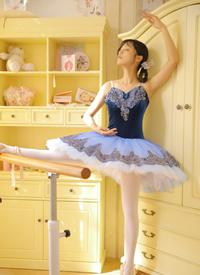 芭蕾美女修長美腿性感寫真圖片